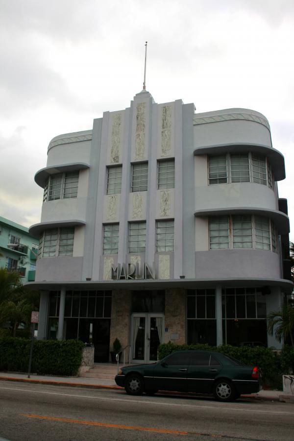 Un-tipico-Hotel-Decò-a-Miami.jpg